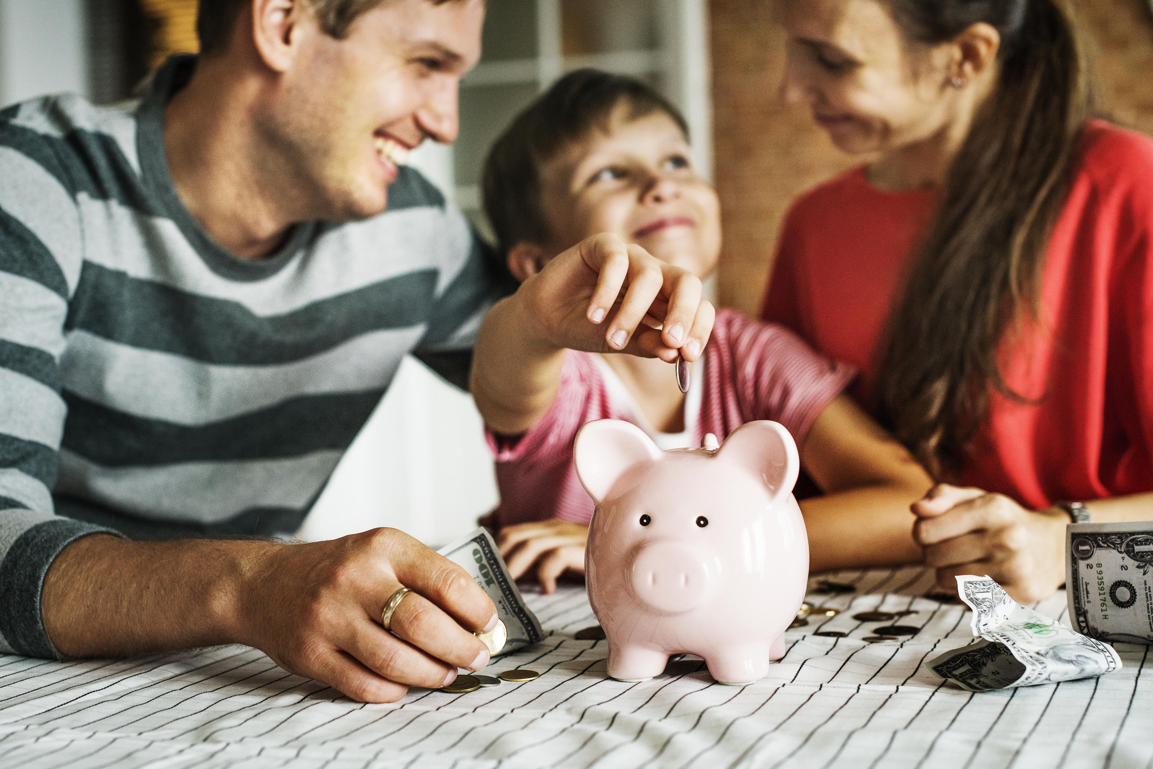Financial Habits to Pass on to Your Children